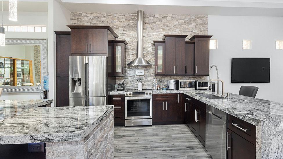 Best home interior designers in Bangalore - Decor for a Classy kitchen